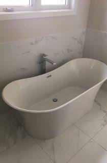 Standalone tub installation